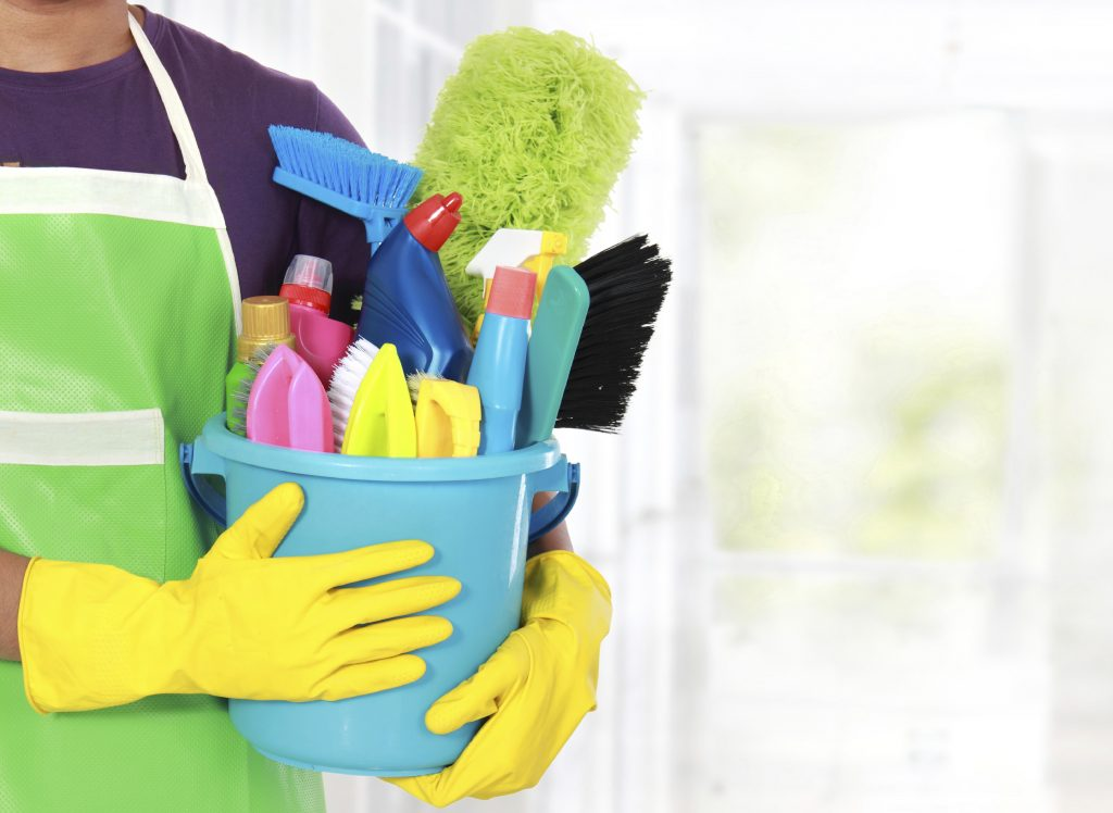 Cleaning-Bucket-iStock_000034110732_Large